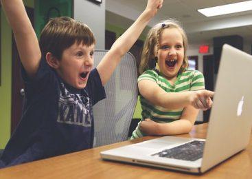 Важно ли е какъв детски свят и образование ще осигурим на своите деца?