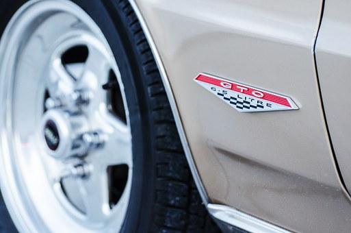 """Предимства и недостатъци на модела """"весесезонни гуми"""""""