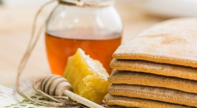Акациев мед – вярно ли е, че лекува всичко